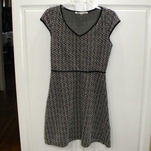 Very nice capped sleeve midi dress by Max Studio